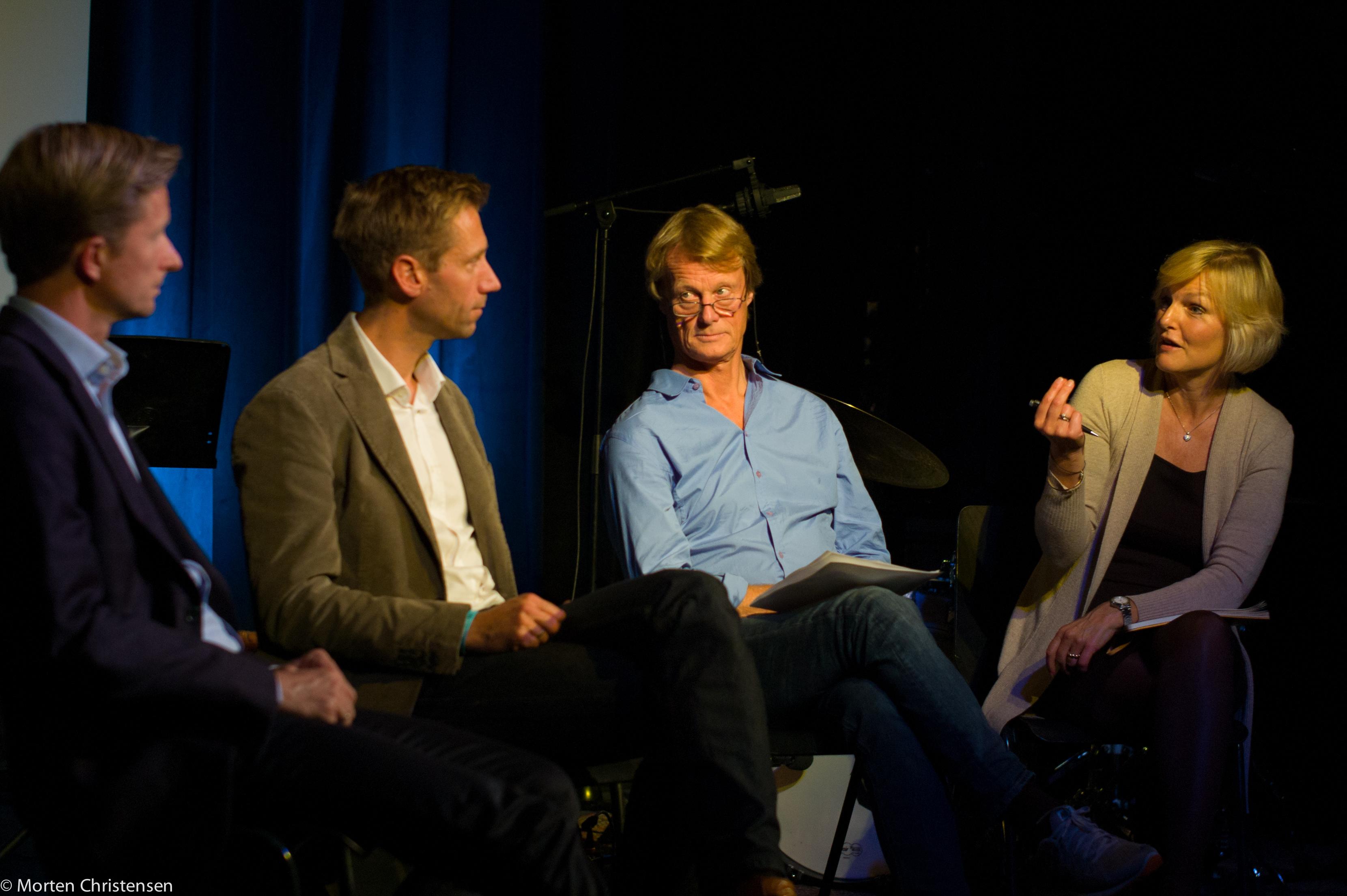 Colin Campbell, Rikhard Riekeles, Svein Wilhelmsen og konferansier Kjersti Fløgstad i fin dialog
